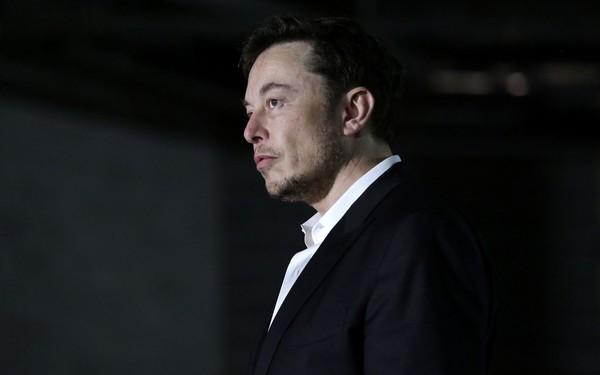 Bắt tự động hóa mọi thứ, kỹ sư nói chỉ có thể làm 4 lớp, khăng khăng phải làm cho tôi 3 lớp: Phong cách quản lý tổn hao tiền bạc, khiến các nhân viên Tesla 'chạy mất dép' của Elon Musk