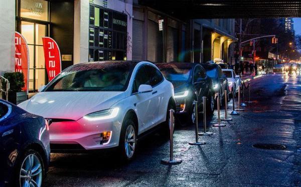CEO Elon Musk tiết lộ kế hoạch phát triển ứng dụng cho đi nhờ xe cạnh tranh trực tiếp với Uber và Grab
