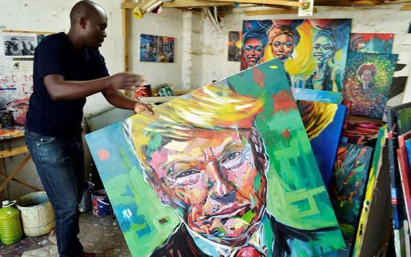 Chưa bao giờ đặt chân đến châu Phi nhưng Tổng thống Trump lại nổi tiếng tại đây hơn bất kỳ khu vực khác trên thế giới