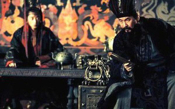 Nhờ hơn kém nhau điểm này, gia tộc Tào Tháo cay đắng nhìn dòng họ Tư Mã thống trị thiên hạ