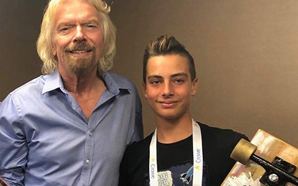 Cậu bé lớp 8 sáng lập startup ván trượt, có 2 bằng sáng chế, tham gia Shark Tank, được tỷ phú Richard Branson đầu tư và Nike mời hợp tác