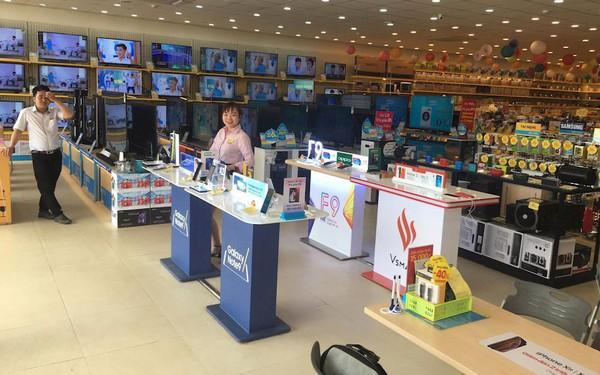 Lộ ảnh khu trải nghiệm điện thoại Vsmart của tỷ phú Phạm Nhật Vượng tại các hệ thống bán lẻ