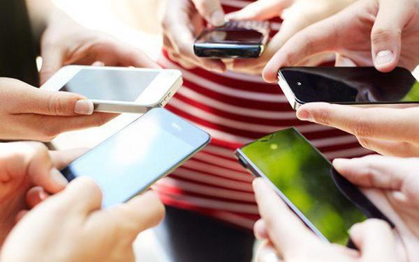 """[Hồ sơ] Thị trường smartphone Việt 2018: Bphone 3 tái xuất ngoạn mục, Vingroup lấn sân, nhưng các đại gia ngoại mới là đội """"bao sân"""" và năm sau càng bành trướng hơn năm trước"""
