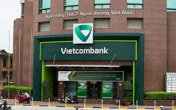 Vụ tài khoản bốc hơi 32 triệu đồng: Vietcombank lên tiếng