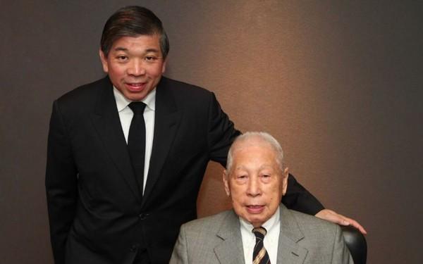 Gặp gỡ tỷ phú già nhất thế giới 100 tuổi vẫn ngày nào cũng tới văn phòng làm việc