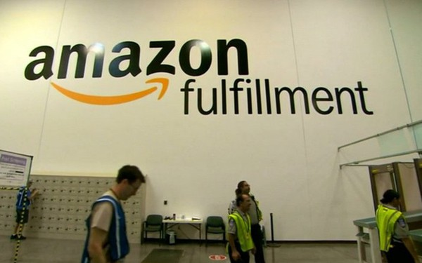 Amazon bất ngờ sa thải hàng trăm nhân viên mảng bán lẻ