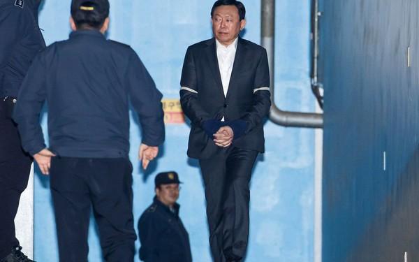 Chủ tịch tập đoàn Lotte bị bắt giam