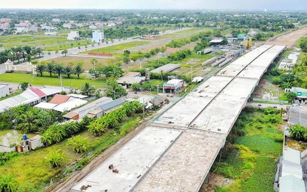 Sau TP.HCM, đến lượt Long An 'tuýt còi' hàng loạt dự án rao bán đất nền trái phép
