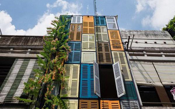 Nằm nghe nắng mưa qua những ô cửa đa sắc của ngôi nhà độc đáo ở Quận 3 Sài Gòn