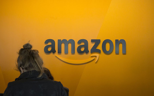 Lần đầu tiên trong lịch sử Amazon trở thành công ty lớn hơn cả Microsoft