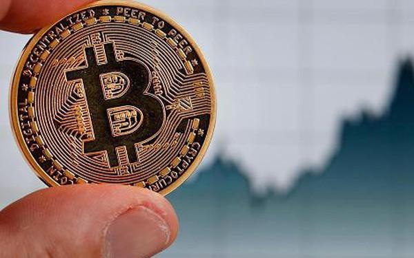Chỉ riêng ngày hôm qua, giá bitcoin tăng 2.000 USD!