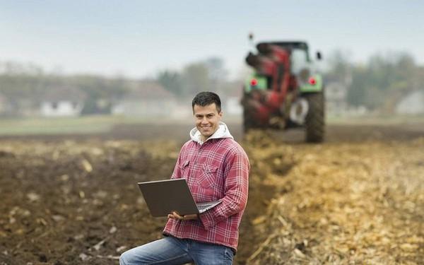 Không phải làm gì to tát, xu hướng của lớp trẻ thế giới hiện nay là học đại học sau đó về quê làm... nông dân!