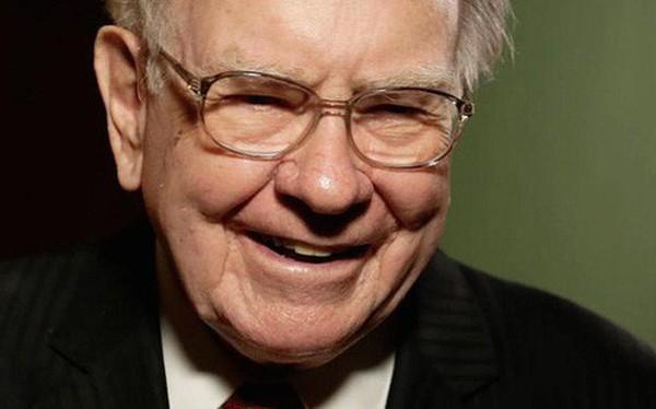 Khôn khéo biến mạng xã hội thành đòn bẩy thương hiệu: Warren Buffett đơn giản chỉ dùng sự hài hước, John Legere chia sẻ về Batman