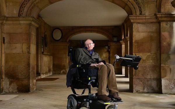 Chuyện ít biết về con gái nuôi người Việt của nhà bác học vĩ đại Stephen Hawking