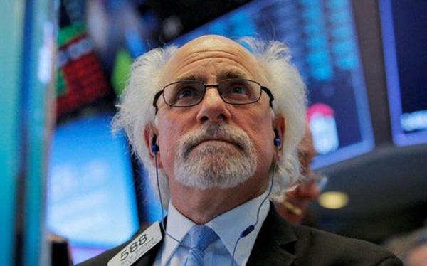 Chứng khoán Mỹ giảm điểm mạnh vì nỗi lo chiến tranh thương mại