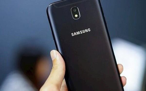 Mua điện thoại mới qua Akulaku.vn, khách hàng bị ép nhận máy đã kích hoạt bảo hành