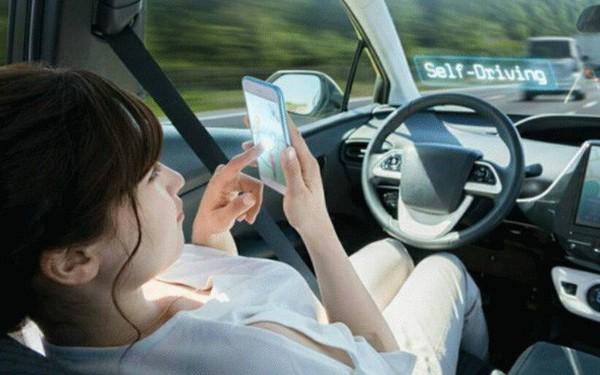 Trung Quốc lần đầu tiên cho phép thử nghiệm xe tự lái trên phố