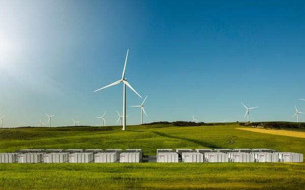 Tỉ phú người Anh vượt mặt Elon Musk, tạo ra pin năng lượng mạnh nhất thế giới