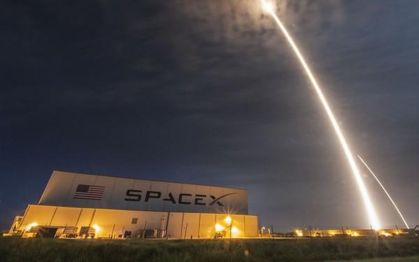 Tên lửa SpaceX vô tình tạo ra một lỗ hổng khổng lồ đường kính 900km trên tầng điện ly của Trái đất, làm sai lệch hệ thống GPS