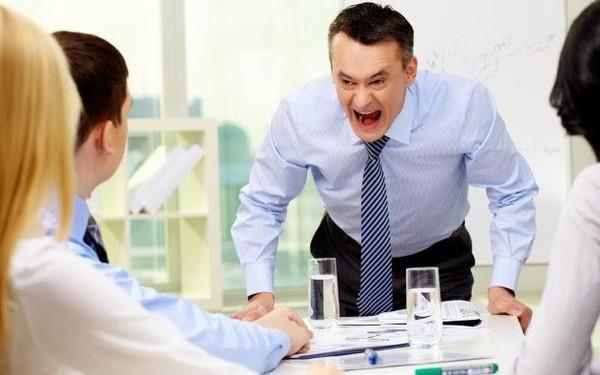 Không phải năng lực gì xa vời, sếp có EQ kém mới là điều làm nhân viên xa lánh và dần rời bỏ họ