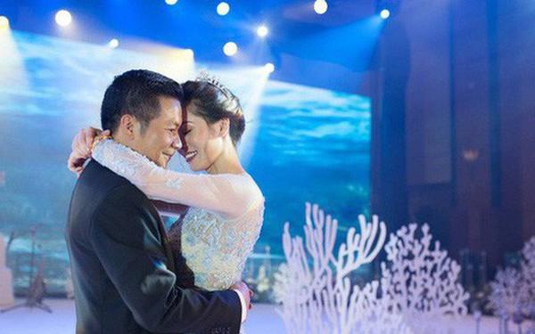 Cận cảnh đám cưới kỳ công xanh màu đại dương của Shark Hưng và cô dâu Á hậu