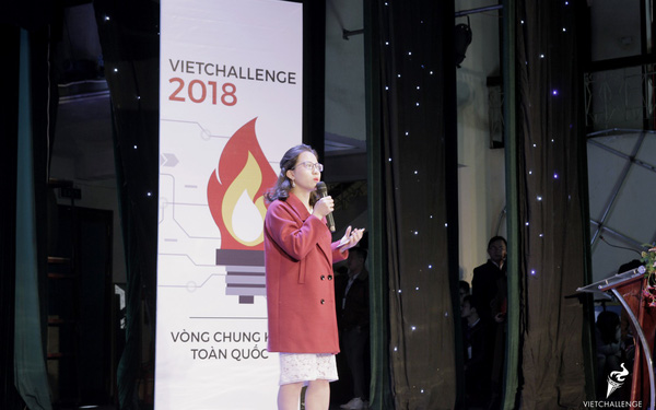 """Trả lời thiếu minh bạch trong cuộc thi khởi nghiệp ở Mỹ, Kiều Trang Elight khiến giám khảo khó chịu: """"Cô nỗ lực vào Vòng chung kết để làm gì?"""""""