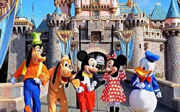 Xây dựng nhiều Disneyland, đầu tư sân golf, giao tư nhân làm bảo tàng... là cách hút khách cho du lịch Việt Nam