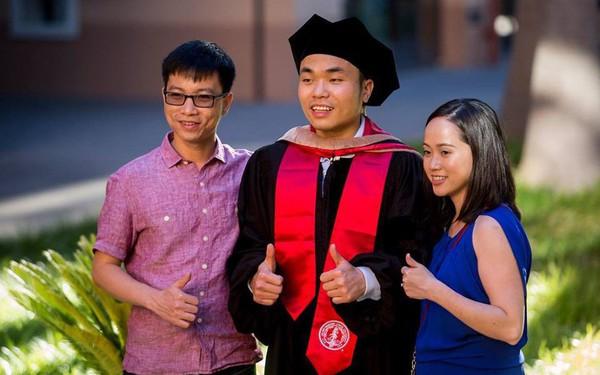 Lọt top Forbes Under 30 năm 2018, tiến sĩ Stanford người Việt 29 tuổi được Amazon mời về làm việc chỉ sau 5 phút phỏng vấn