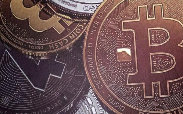 Sàn tiền ảo Hàn Quốc bị lục soát, giá Bitcoin rớt mốc 9.000 USD