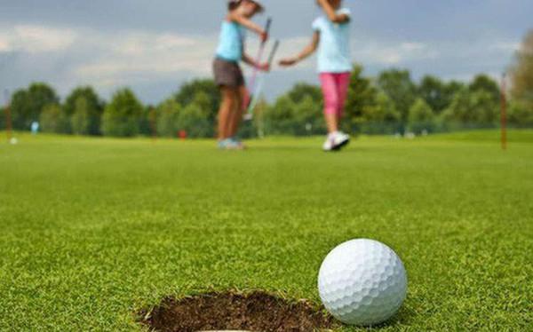 Những bài học cuộc sống quý giá golf có thể dạy cho con bạn