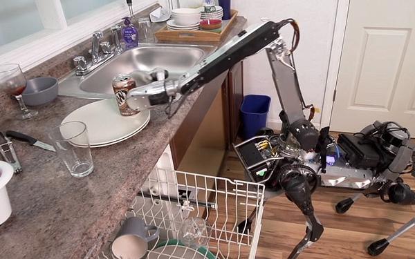 Bạn sẽ muốn chi bao tiền cho một chú chó robot biết cả... rửa bát?