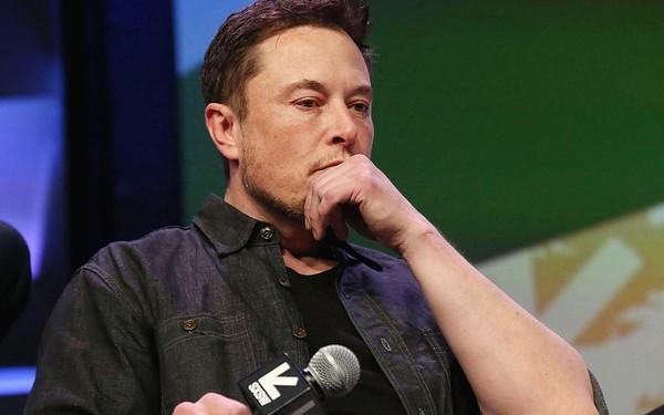 Tesla đã 'mua dây buộc mình' như thế nào khi tự động hóa hết cỡ các nhà máy sản xuất?