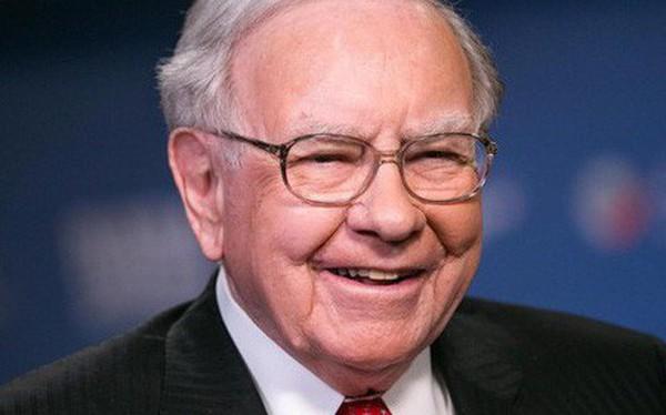 """Warren Buffett: """"Khi thuê ai đó thiếu sự chính trực, bạn sẽ ước thà họ ngu ngốc và lười biếng còn hơn"""""""