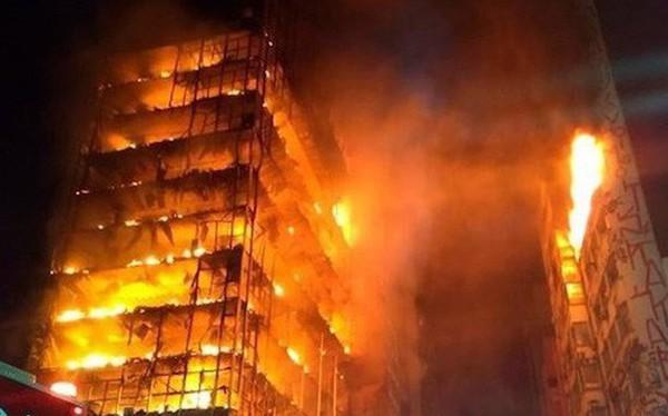 Brazil: Hơn 40 người vẫn mất tích sau vụ sập nhà do hỏa hoạn