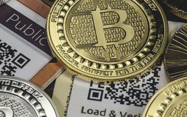 """Một """"cá mập"""" Trung Quốc đã miệt mài gom 10.000 đồng bitcoin trong lúc giá lao dốc"""