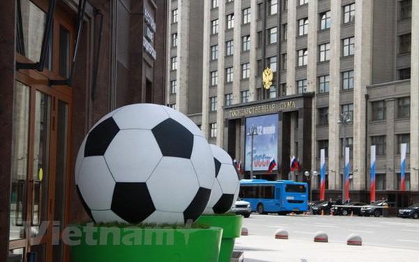 """World Cup 2018 vẫn chưa làm """"nóng"""" bầu không khí ở Moskva"""