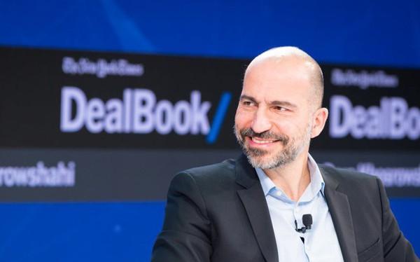 Đến CEO Uber cũng cho rằng nên tính thêm phí của lái xe Uber nhằm giúp... taxi truyền thống