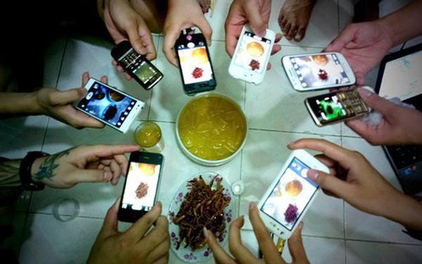Người Hà Nội sành điệu: Xài smartphone nhiều nhất nước, truy cập Internet cũng dài nhất
