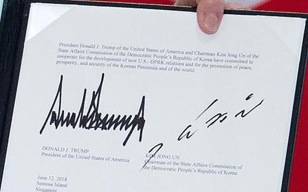 Phân tích chữ ký ông Kim Jong Un trong lần đầu tiên lộ diện