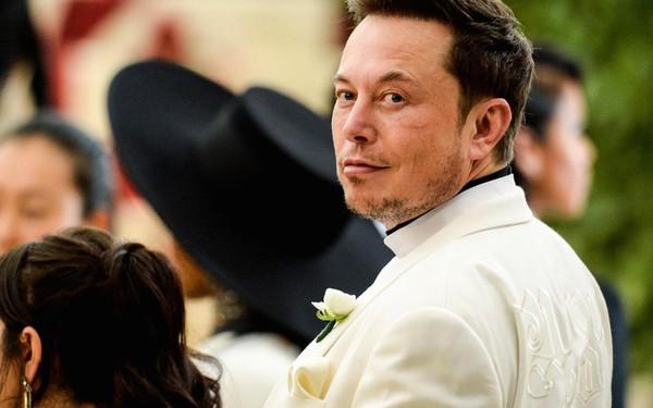 Elon Musk kể về thuở hàn vi: Đi xin việc mà chẳng ai nhận, đứng bơ vơ ở đại sảnh, chỉ mong bắt chuyện với ai đó mà không thể vì quá ngại ngùng