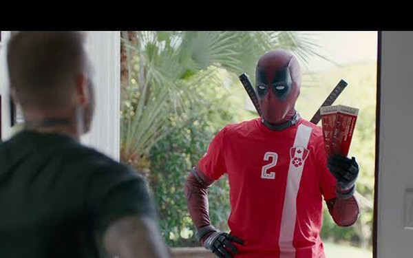 Quảng cáo phim kiểu 20th Century Fox: Deadpool xin lỗi Beckham và mời đi xem World Cup