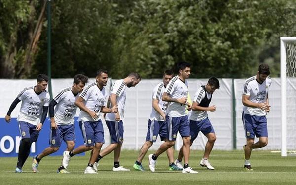 Messi là đội trưởng của đội tuyển già nhất tại World Cup 2018