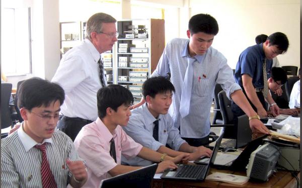 Những bất ngờ thú vị về trường đại học tư nhân duy nhất tại Triều Tiên: Giảng dạy hoàn toàn bằng tiếng Anh bởi đội ngũ các giáo sư đến từ châu Âu, Canada