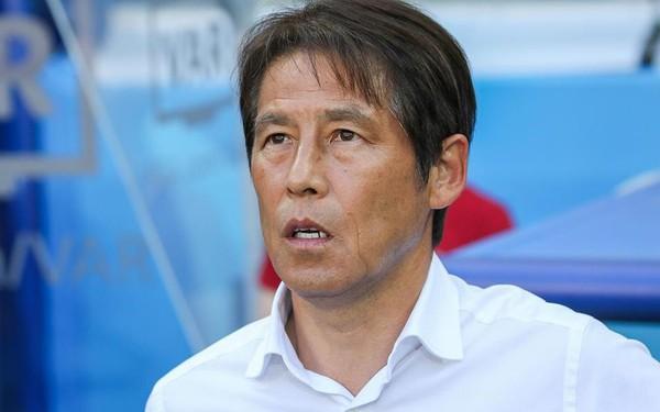 HLV Akira Nishino thừa nhận chỉ đạo Nhật Bản không đá nữa