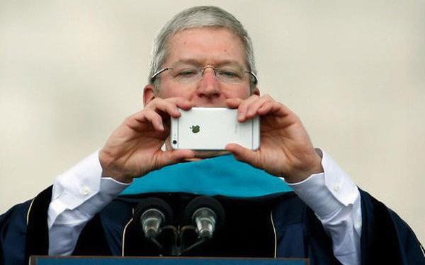 CEO Apple thừa nhận dùng iPhone quá nhiều nhưng vẫn khẳng định iPhone không gây nghiện