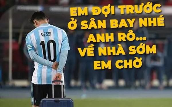 Dân mạng chế ảnh Messi và Ronaldo dắt tay nhau rời World Cup 2018
