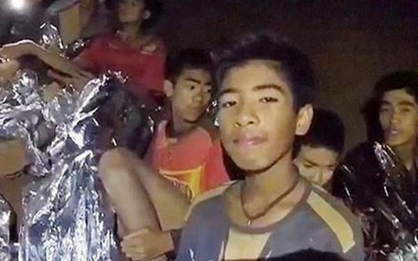 """Câu chuyện giải cứu đội bóng nhí Thái Lan khỏi hang Tham Luang đầy kỳ tích sắp được chuyển thành một """"siêu phẩm Holywood"""""""