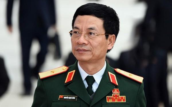 Ông Nguyễn Mạnh Hùng nhắn gửi người trẻ: Từ ngày đầu đã được bơm tiền, vũ trang tận răng thì khó xả thân và làm việc quên mình lắm!