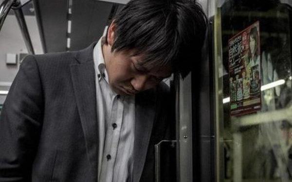 Ngưỡng mộ các điều tuyệt vời ở Nhật Bản nhưng không thể phủ nhận sự cô đơn, tuyệt vọng của những người đang vật lộn với công việc và cuộc sống nơi đây