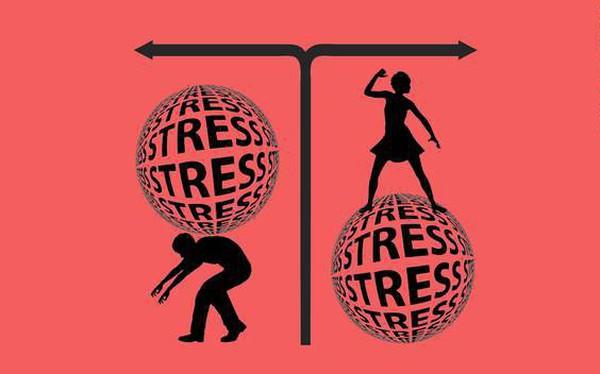 Ngủ gật, chơi game, ăn chuối... trong văn phòng chính là cách tốt nhất để giảm stress công sở không phải ai cũng biết!